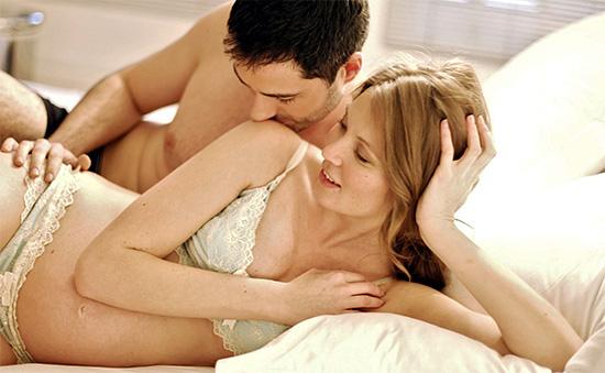 Очень опасно для плода появление генитального герпеса во время беременности женщины.